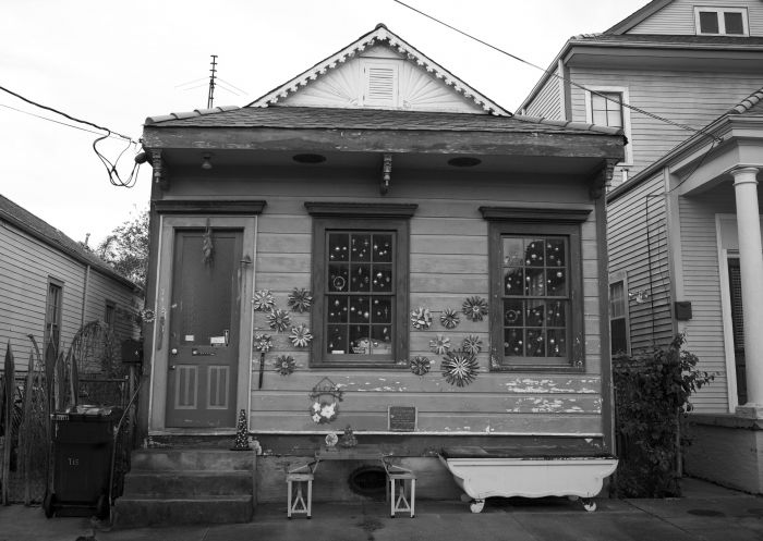 House and Bathtub, Bywater